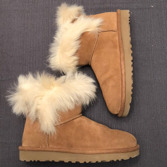 3dd8626e75c NWOT Ugg Milla Boots with Fur size 7